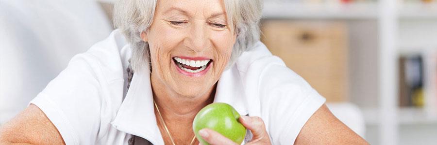 Weiße Zähne: Vorsicht vor Hausmitteln