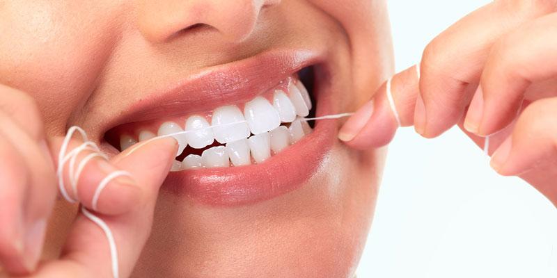 """Zahnfleischentzündung: Zahnseide als """"Diagnose-Instrument"""""""
