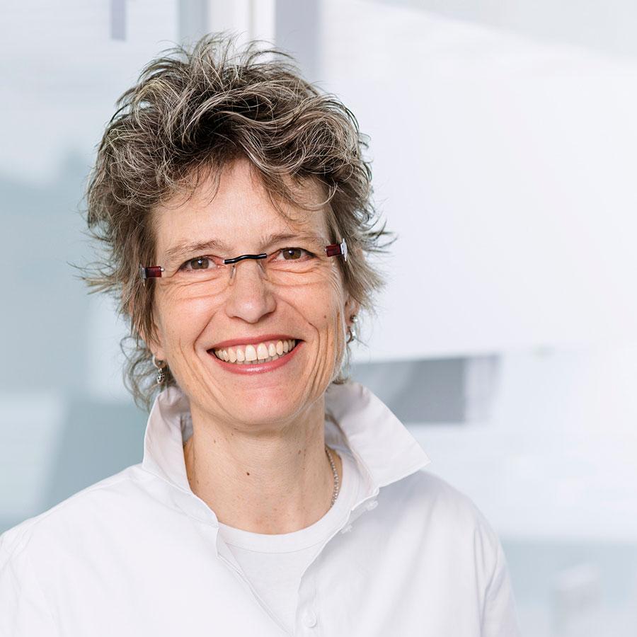 Vita Dr. med. Raphaele Lange