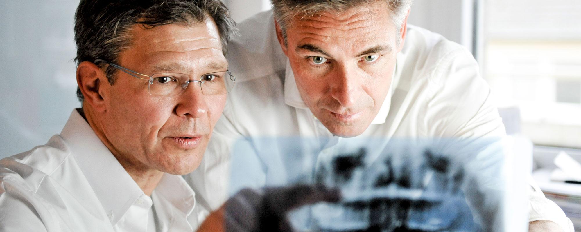 Mönchengladbach: Zahnimplantate von zertifizierten Implantologen